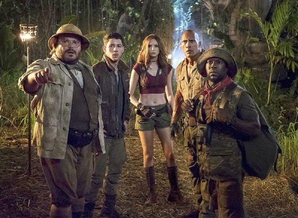 Jumanji star Dwayne Johnson shuts down one moviegoer's criticism of film's plot