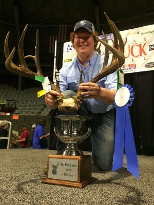 Hunter Davis of Wynne won the Arkansas Big Buck Classic with a typical rack that scored 172 0/8 Boone and Crockett on Sunday at Barton Coliseum.