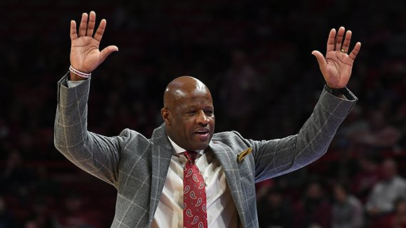 Arkansas head coach Mike Anderson talks to the bench during the Hogs' 81-65 win over South Carolina Tuesday Feb. 6, 2018 at Bud Walton Arena in Fayetteville.