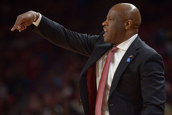 Arkansas coach Mike Anderson directs his team against Vanderbilt Saturday, Feb. 10, 2018, during the second half of play in Bud Walton Arena in Fayetteville.