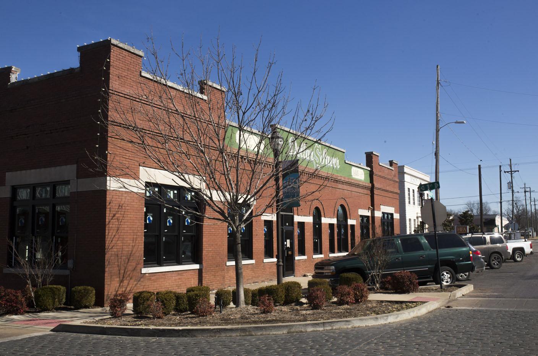 Fayetteville ar headline news feed u s news hub for Deck builders fayetteville ar