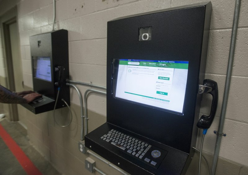 Users give mixed reviews to video visitation at Benton County Jail