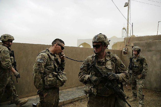 us-troops-coordinate-with-iraqi-counterparts-to-launch-airstrikes-and-artillery-against-the-islamic-state-from-the-town-of-qaim-iraq-in-january