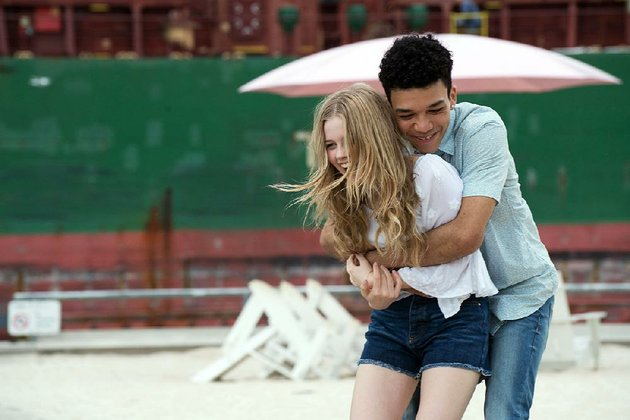shy-16-year-old-rhiannon-angourie-rice-falls-in-love-with-the-changeling-a-played-here-by-justice-smith-who-transforms-into-a-new-person-every-day