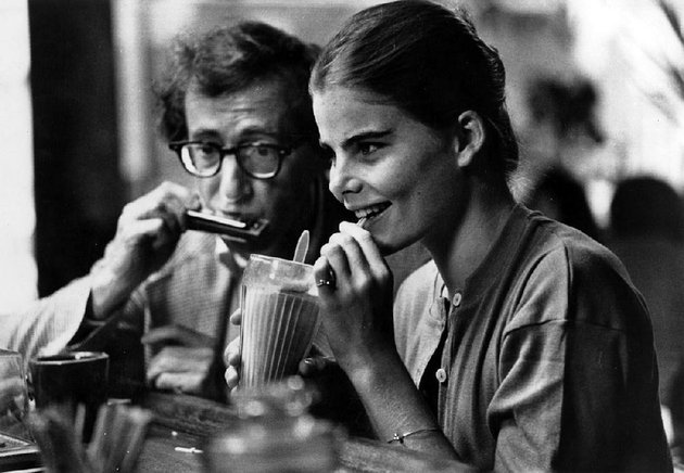 woody-allen-plays-a-42-year-old-television-writer-who-falls-in-love-with-a-17-year-old-played-by-mariel-hemingway-in-1979s-manhattan