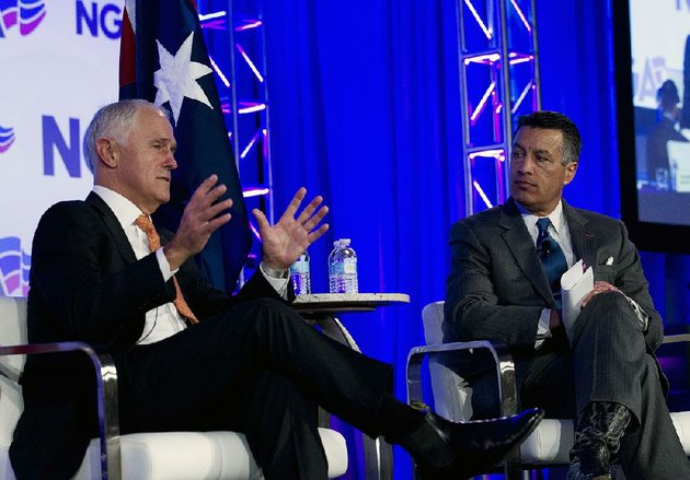 australian-prime-minister-malcolm-turnbull-left-speaks-saturday-with-gov-brian-sandoval-of-nevada-the-chairman-of-the-national-governors-association-during-the-groups-meeting-in-washington