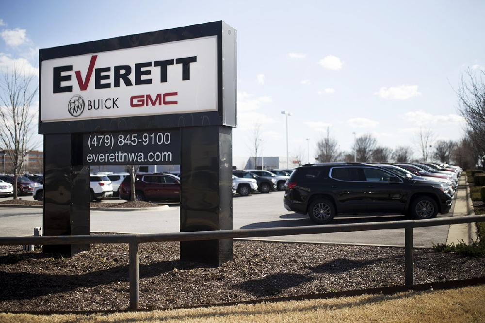 Gmc Dealers In Arkansas >> 3 Arkansas Car Lots Bought By Group Linked To Johnelle Hunt