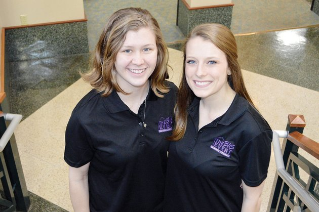 university-of-central-arkansas-students-hayley-harp-left-director-of-the-big-event-committee-and-nikki-van-wilpe-a-member-said-the-one-day-project-helps-conway-residents-and-organizations-with-needed-chores-and-allows-students-faculty-and-staff-to-give-back-to-the-community-this-year-the-big-event-received-112-requests-and-signed-up-more-than-1000-uca-volunteers