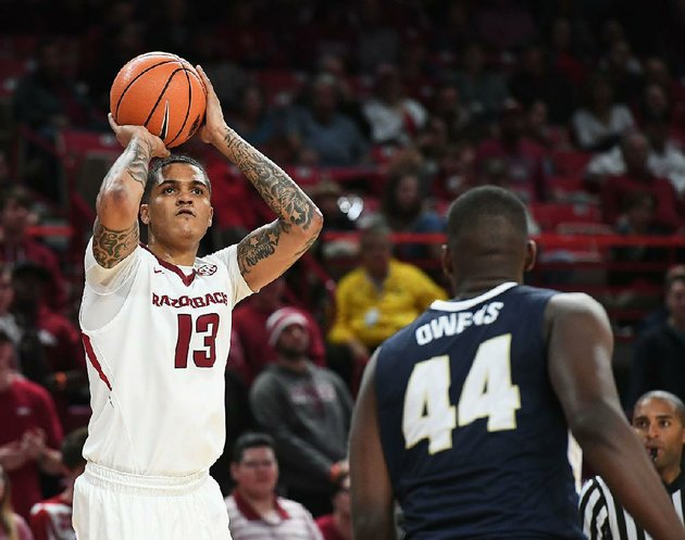 razorbacks-forward-dustin-thomas-who-started-44-games-the-past-two-seasons-was-dismissed-for-an-undisclosed-violation-of-team-rules-university-of-arkansas-fayetteville-coach-mike-anderson-announced-monday