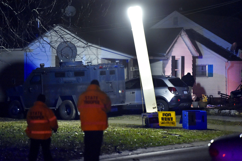 Missouri officer killed, 2 wounded responding to 911 call ...