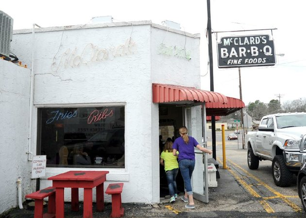 mcclards-bar-b-q-is-now-a-member-of-the-arkansas-food-hall-of-fame