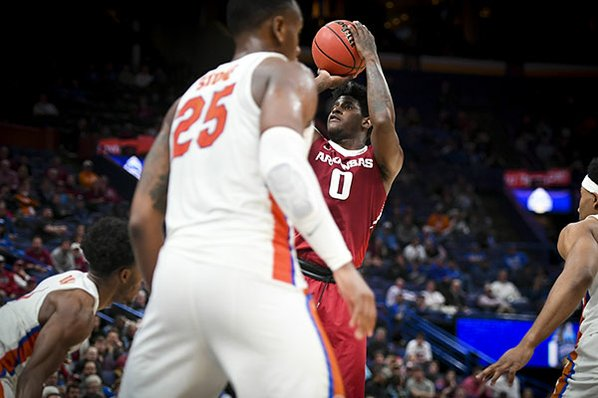 No more Florida jinx: Barford, Gafford power Arkansas to semifinals