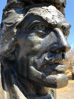 Sasha Alexandrovich Stanislav Schnittmann's 1961 bronze bust of Count Vladimir Pulaski