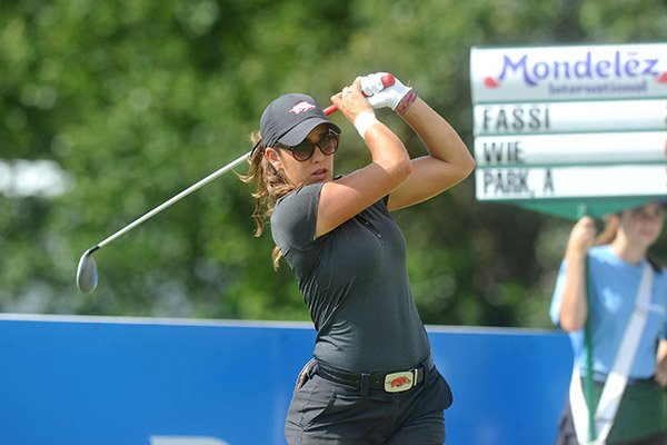 Maria Fassi was a runaway winner of medalist honors on Tuesday to help propel the No. 3 Arkansas women's golf team to a nine-shot victory at the Evans-Derby Experience.