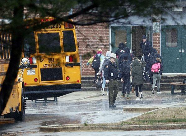 Shooter dead, 2 students injured in Great Mills High shooting