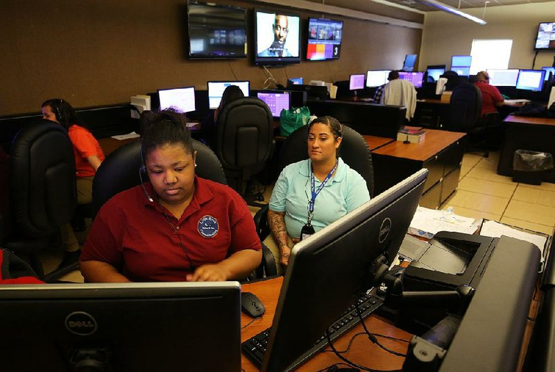 14d686d37781e Little Rock 911 call center still has vacancies