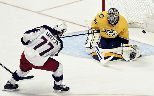 Forsberg's late goals lead Preds past Avs in Game 1