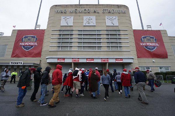 Fans walk into War Memorial Stadium for the Arkansas Razorbacks' spring game Saturday, April 7, 2018, in Little Rock.