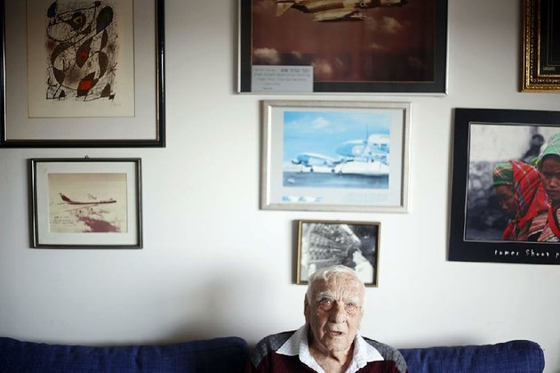 holocaust-survivor-baruch-shub-poses-for-a-photo-at-his-apartment-in-a-retire-ment-home-in-kfar-saba-israel