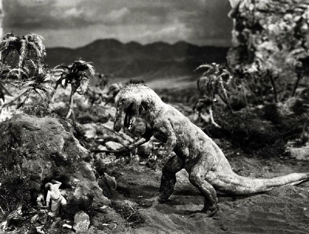 bessie-love-is-menaced-by-one-of-willis-h-obriens-pre-historic-scene-stealers-in-the-1925-silent-picture-the-lost-world