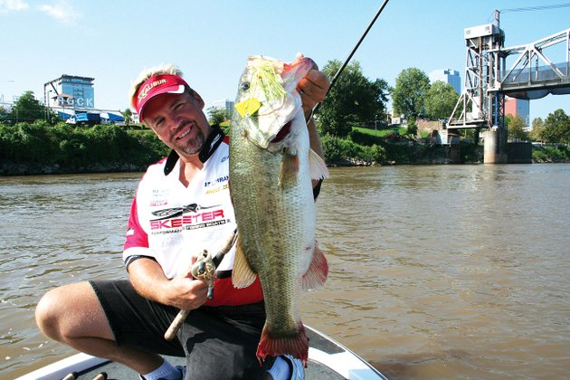 since-1990-tournament-anglers-like-mark-davis-of-columbia-sc-have-been-providing-information-on-the-bass-they-catch-for-the-game-and-fish-commissions-arkansas-tournament-information-program