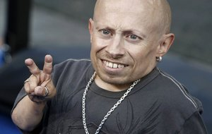 "In this June 11, 2008 file photo, actor Verne Troyer poses on the press line at the premiere of the feature film ""The Love Guru"" in Los Angeles. Troyer from the ""Austin Powers"" movie franchise has died. A statement provided by Troyer's representatives that was also posted to his Instagram and Facebook accounts says the 49-year-old actor died Saturday, April 21, 2018. No cause or place of death was given, but the statement discusses depression and suicide, and Troyer had publicly discussed struggling with alcohol addiction. He lived in Los Angeles. (AP Photo/Dan Steinberg, file)"