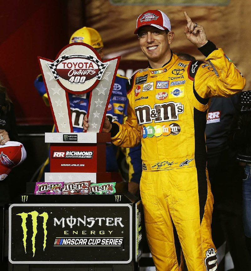 Busch pulls away for 3rd win in row