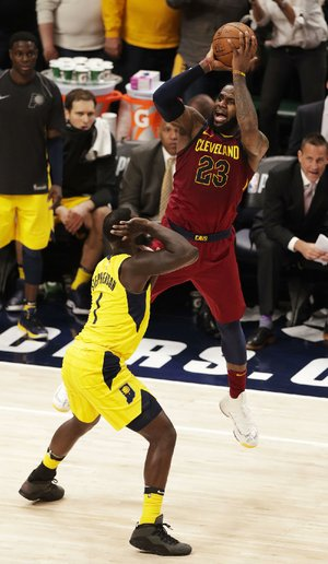 Cleveland Cavaliers forward LeBron James had 32 points Sunday against the Indiana Pacers in Indianapolis.