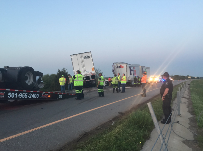 State police IDs 3 truckers killed in head-on I-40 crash