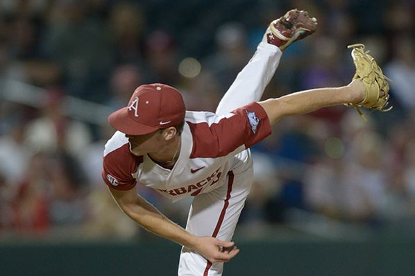 Season high 17 strikeouts lifts Hogs past Texas Tech