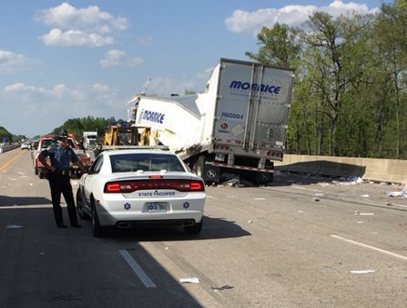 1 killed, 2 injured in rollover wreck with 2 semi-trucks on