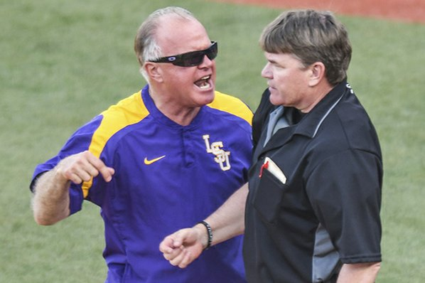 LSU evens series with Arkansas, 6-4