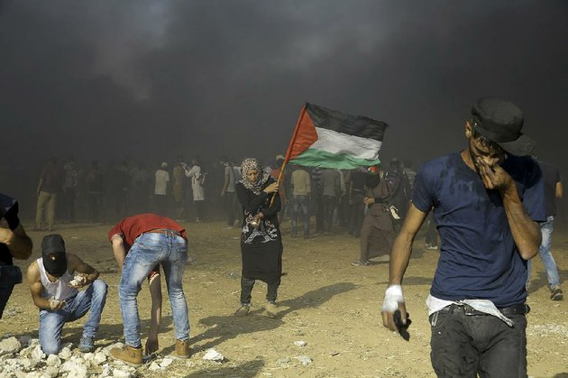 palestinians-protest-again-tuesday-near-khan-younis-on-gazas-border-with-israel