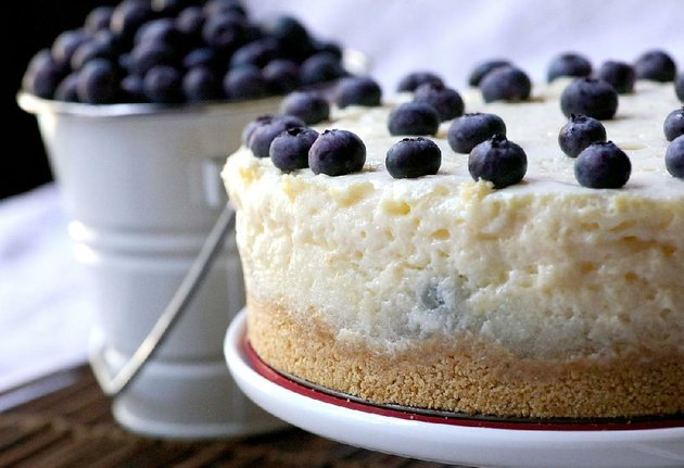 blueberries-on-air-is-a-no-bake-dessert-similar-to-chiffon-pie-but-without-the-eggs