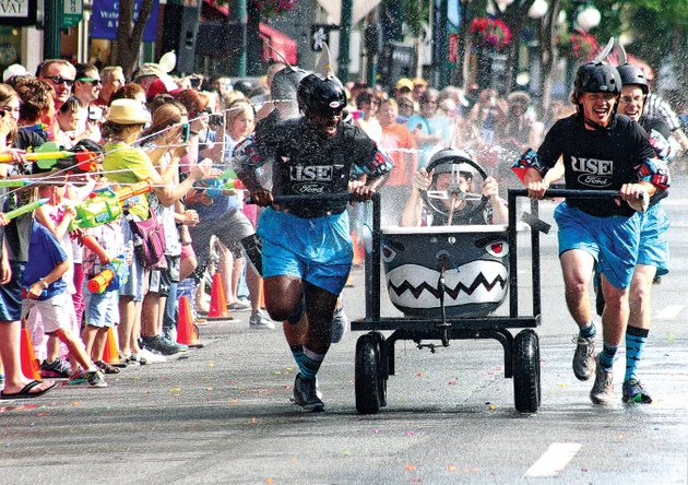 the-world-championship-running-of-the-tubs