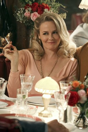 Alicia Silverstone stars as Bonnie Nolan, a newly single mom struggling to adjust to life in the '70s in Paramount Network's new half-hour comedy/drama American Woman.