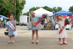 MEGAN DAVIS/MCDONALD COUNTY PRESS Winners of the Little Miss Strawberry Pageant in the 3-5 years division are (from left to right) Paisley Cornell, first place; Quincy Morgan, second place; and Swayzie Hines, third place.