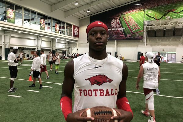 Wholehogsports Arkansas Qb Pledge Kj Jefferson Shines At Razorback
