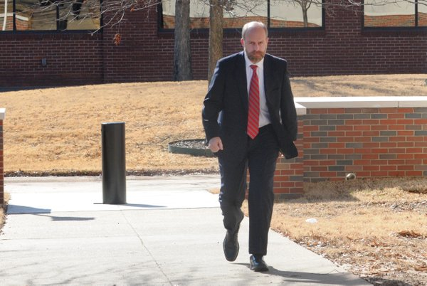 Ex-Sen. Files leaves prison for halfway house; release near