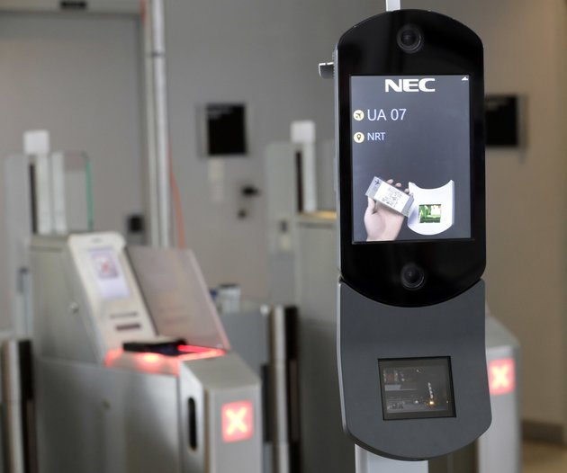 file-in-this-july-12-2017-file-photo-a-us-customs-and-border-protection-facial-recognition-device-is-ready-to-scan-another-passenger-at-a-united-airlines-gate-at-george-bush-intercontinental-airport-in-houston-floridas-busiest-airport-is-becoming-the-first-in-the-nation-to-require-a-face-scan-of-passengers-on-all-arriving-and-departing-international-flights-including-us-citizens-according-to-officials-there-the-expected-announcement-thursday-june-21-2018-at-orlando-international-airport-alarms-some-privacy-advocates-who-say-there-are-no-formal-rules-in-place-for-handling-data-gleaned-from-the-scans-nor-formal-guidelines-on-what-should-happen-if-a-passenger-is-wrongly-prevented-from-boarding-ap-photodavid-j-phillip-file