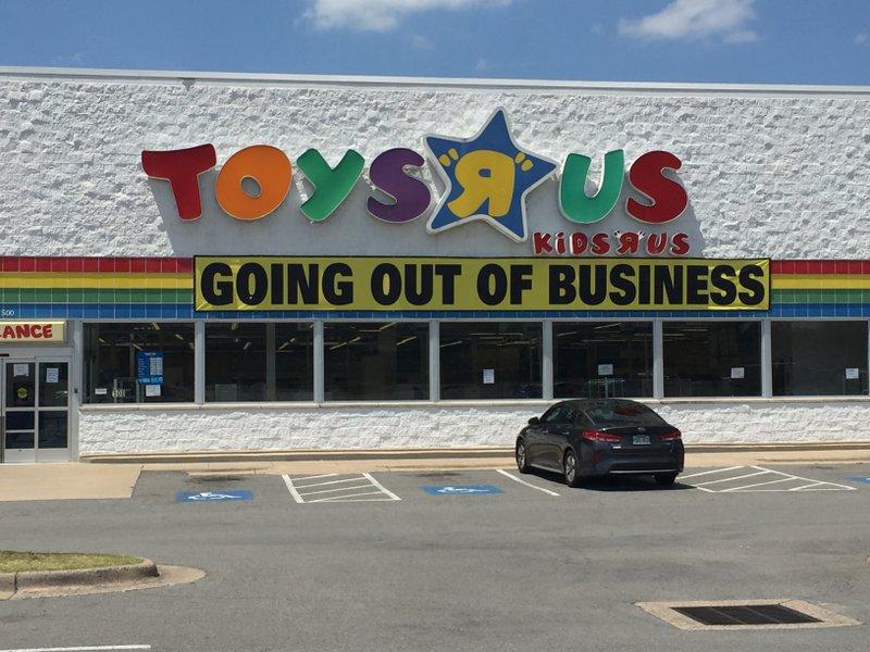 West Little Rock Toys R Us Shuts Its Doors
