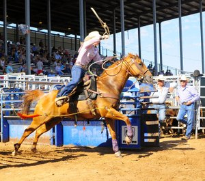 Photo courtesy IFYR/RodeoBum.com. Baylee Lester competes at the 2017 International Finals Youth Rodeo.