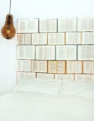 Kassandra Utzinger, a Vancouver, British Columbia, graphic designer, has pioneered the trend of book headboards.