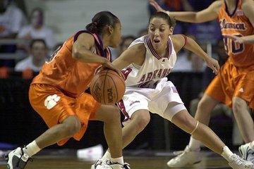 Arkansas' India Lewis ...