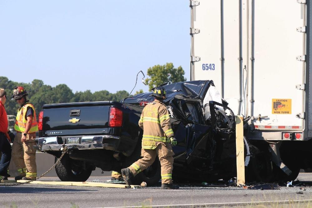 I-30 crash in Little Rock, head-on wreck kill 3 drivers