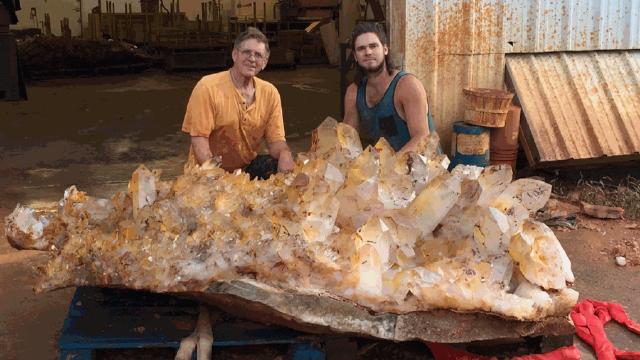 Photos Image Of 3 5m Chunk Quartz