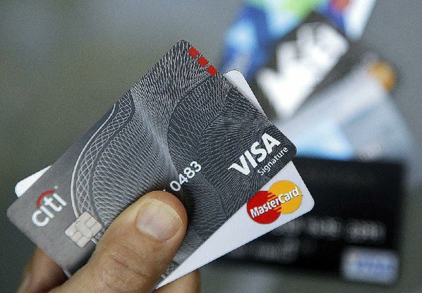 how to use a credit card to build credit score