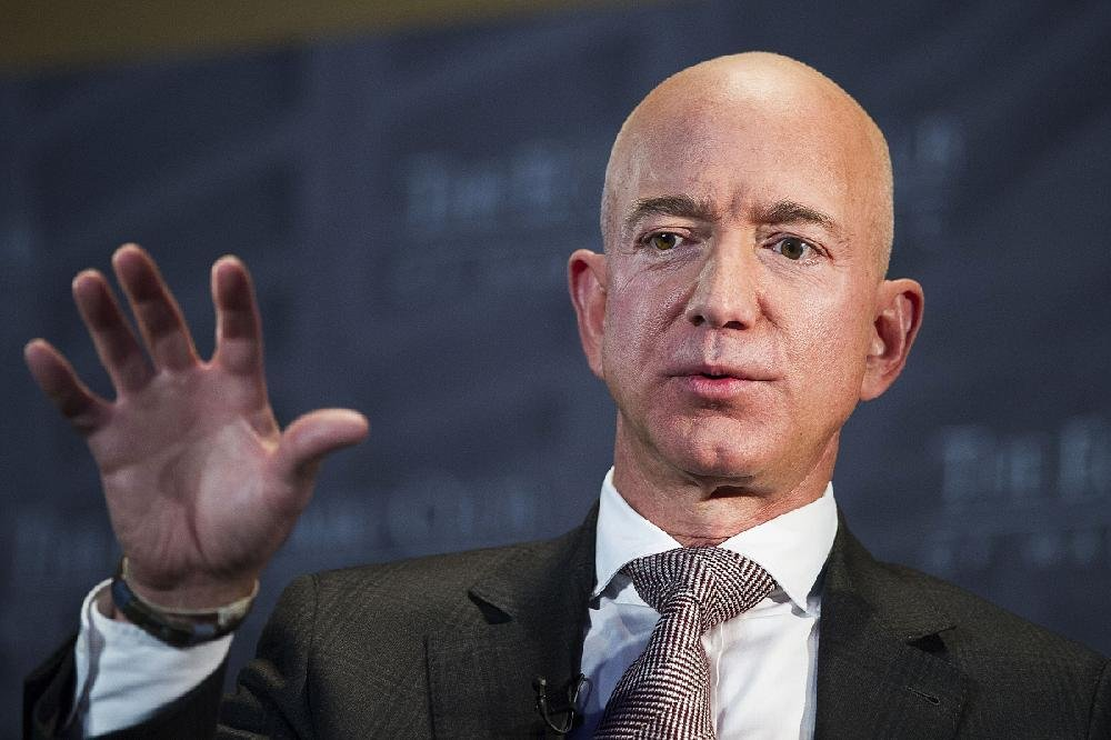 Heirs Of Walmart Founder See Wealth Increase Ceo Of Amazon