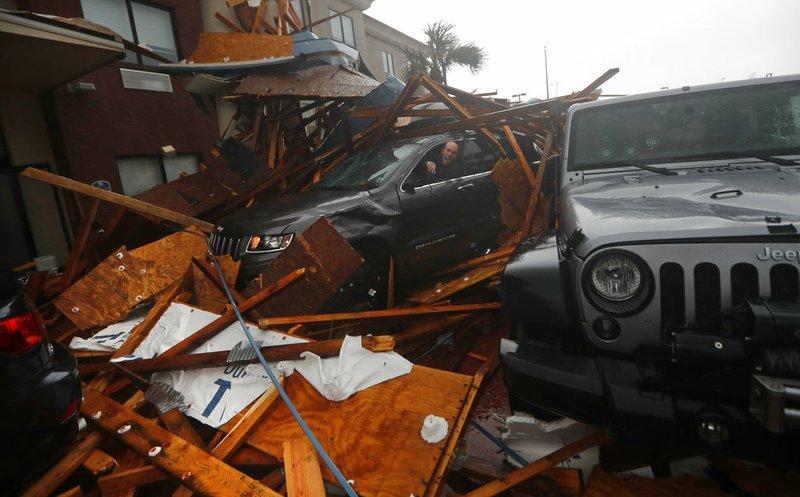 Hurricane Michael slams into Florida; 1 dead