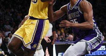 Los Angeles Lakers ...
